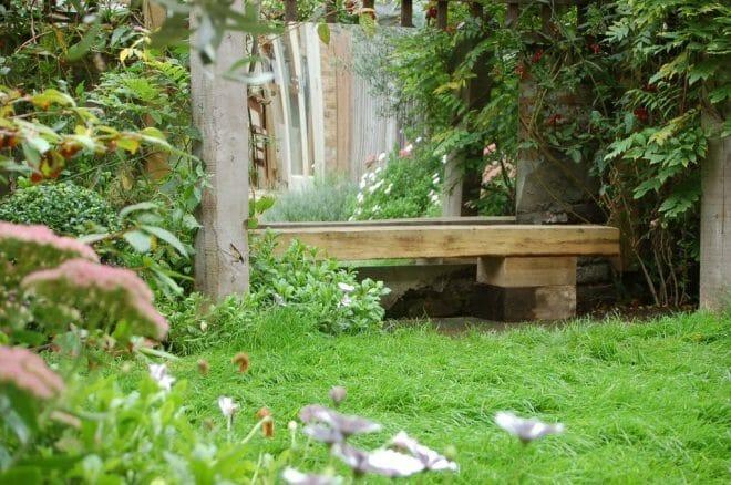 Simple sleeper bench (1)